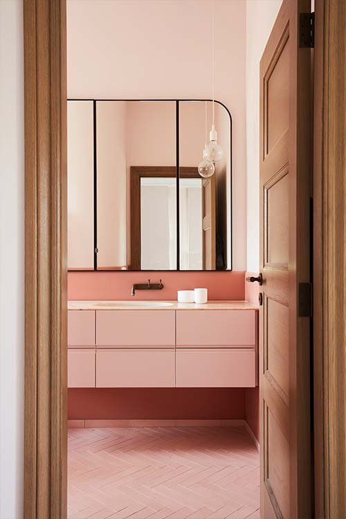 Peppertree Villa by Luigi Rosselli Architects located in Bellevue Hill, Sydney, Australia - pink bathroom