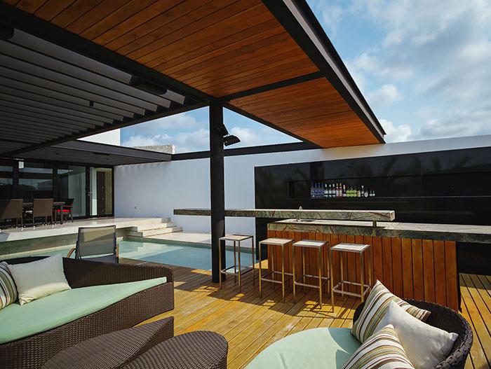 PL2 House stunning terrace by Seijo Peon Arquitectos y Asociados