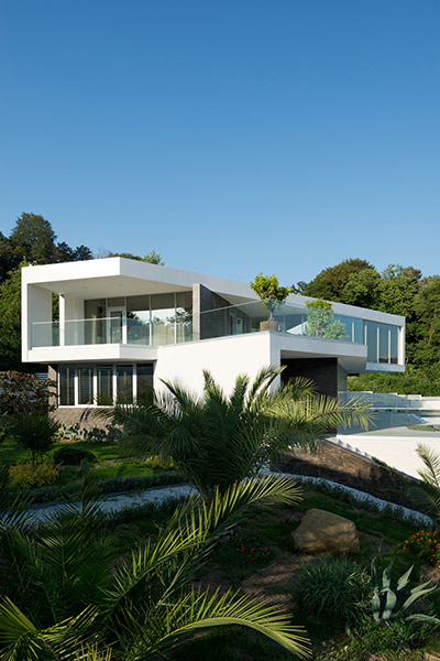 Russian contemporary architecture at its best : Villa V in Sochi, Russia