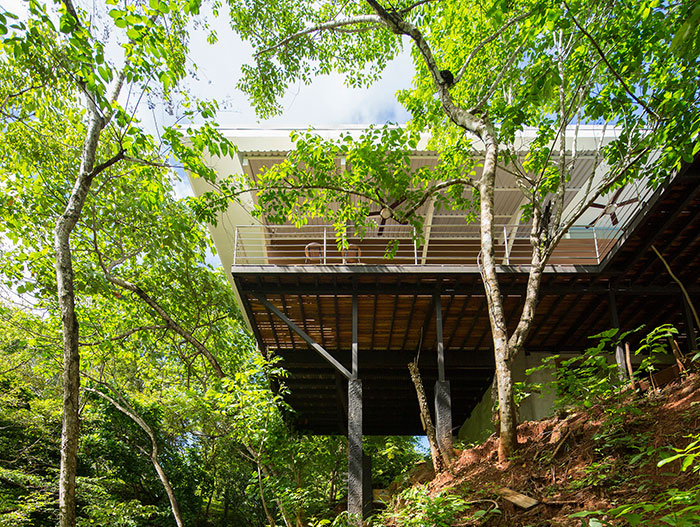 Seagull House: Private suspended home close to nature, located in Costa Rica