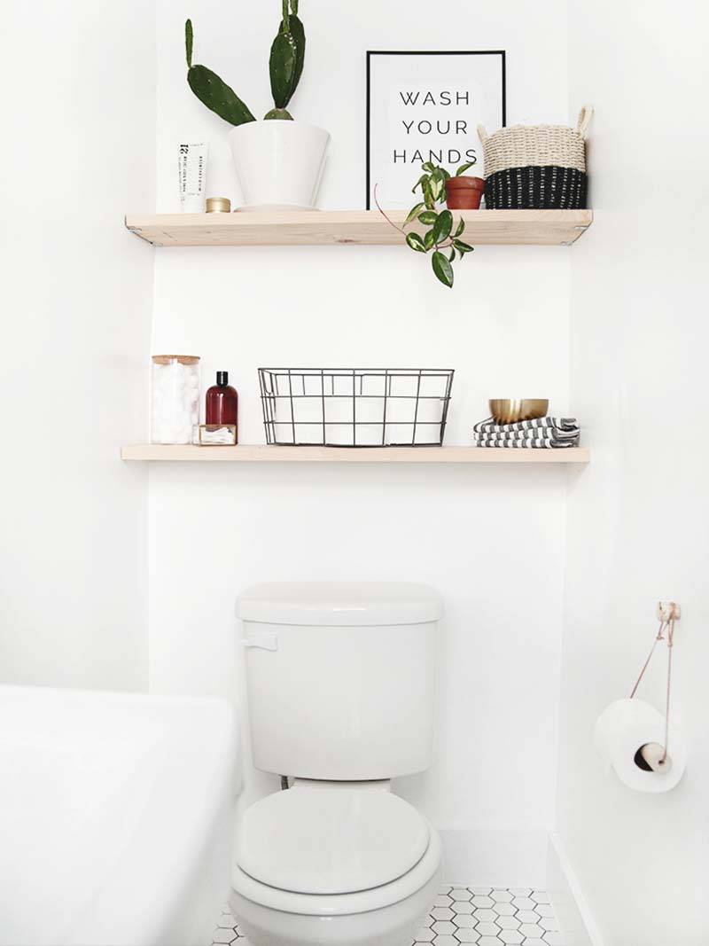 How to make a small bathroom look bigger - open shelves