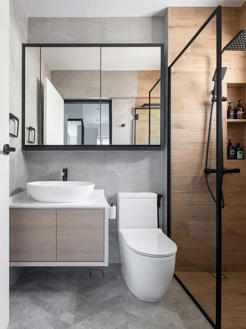 Small bathroom ideas - choose a small sink to make the bathroom look bigger