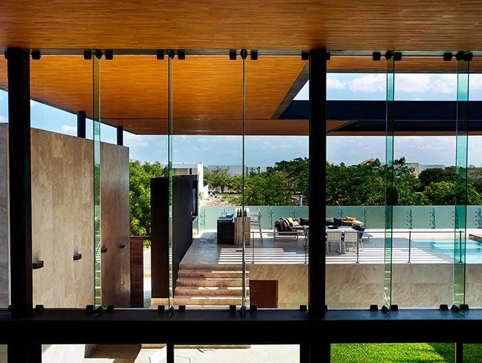 Spectacular contemporary exterior of amazing house in Mexico: MH House by Seijo Peon Arquitectos y Asociados