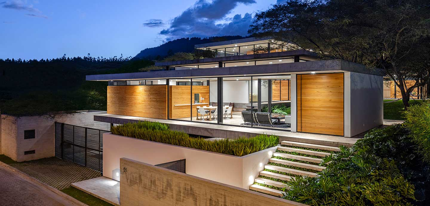 Spectacular single-family home in perfect balance with the surrounding environment located in Ecuador