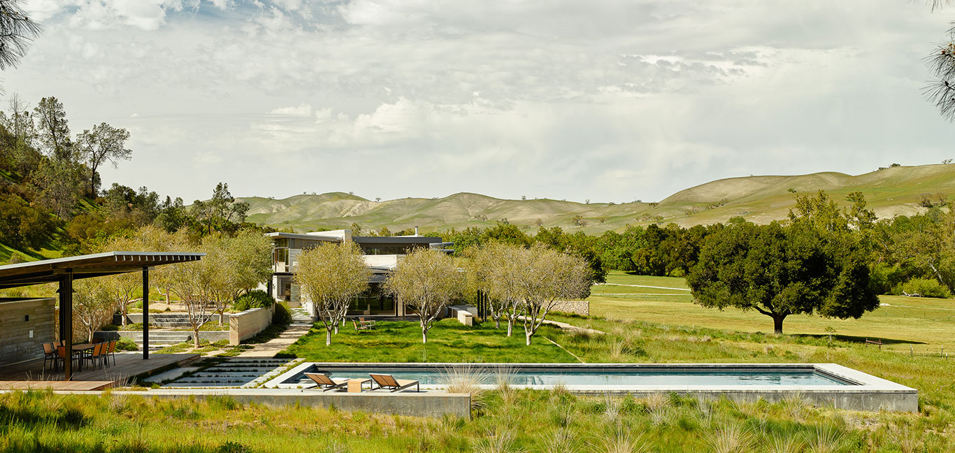 Spring Ranch by Feldman Architecture: Amazing pool with spectacular views of Central Valley, California
