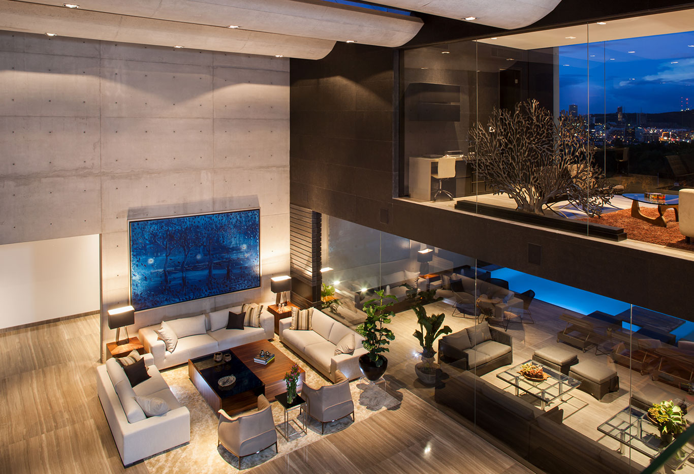 Gorgeous double height living room in contemporary home in Monterrey, Mexico