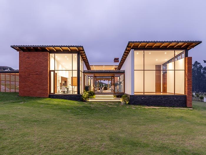 House AO by Studio Alfa in Ecuador