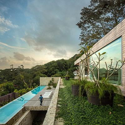 Stunning modern house in Brazil by Studio Arthur Casas