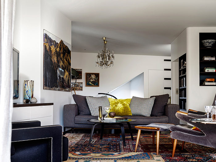 Living room design idea: eclectic mix of furnishings and art in a stunning dwelling in Sydney, Australia