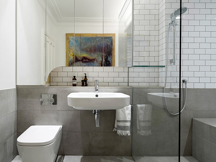 Modern bathroom design idea in a stunning dwelling composed of 2 apartments - located in Sydney, Australia