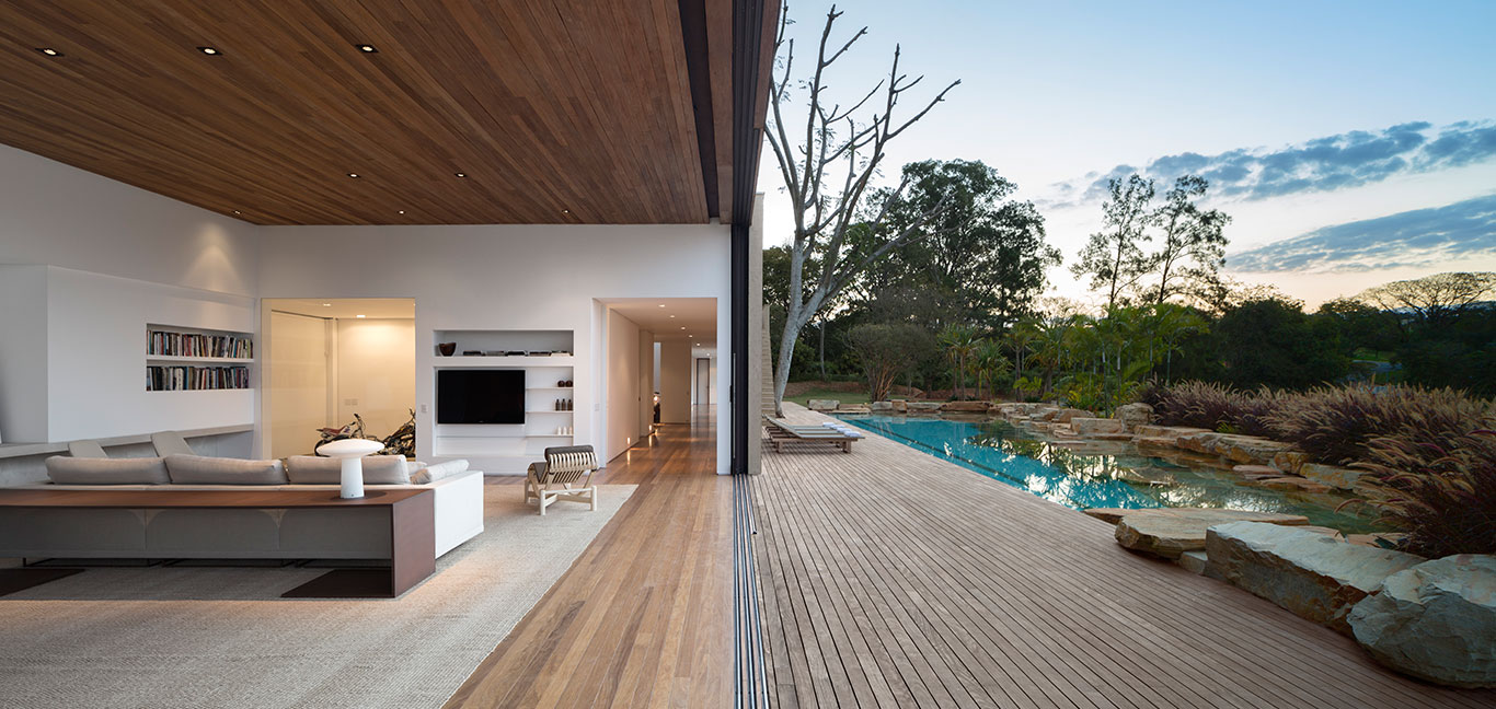 Modern architecture in Casa Itu, Brazil by Studio Arthur Casas