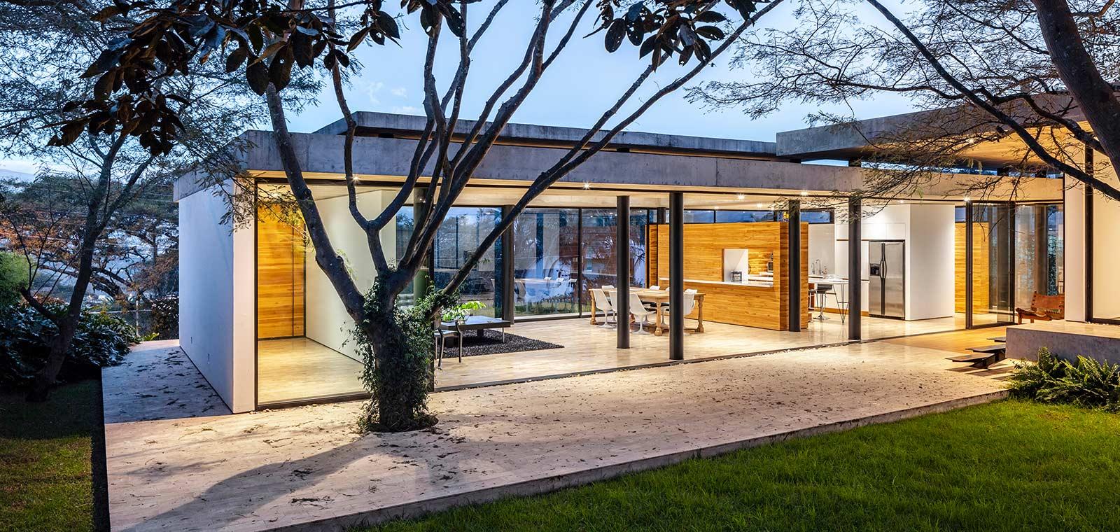 Spectacular single-family home in Ecuador - Tacuri House by Gabriel Rivera Arquitectos