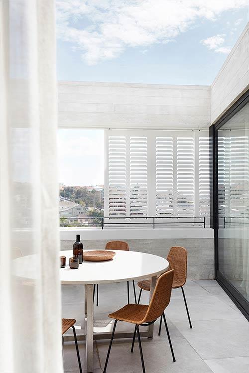 Tama's Tee Home by Luigi Rosselli Architects in Sydney, Australia - amazing views