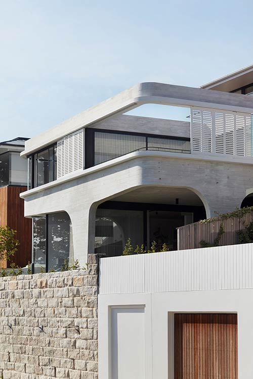 Tama's Tee Home by Luigi Rosselli Architects located in Australia