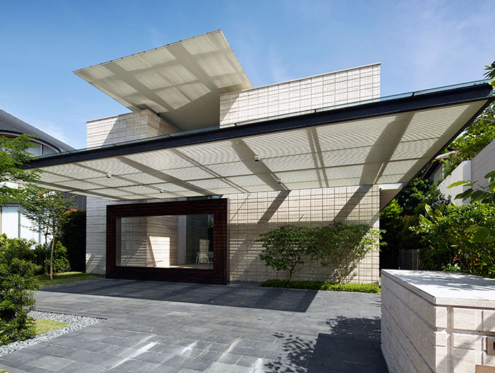 Zen Courtyard house exterior design inspired by the traditional Japanese courtyard house