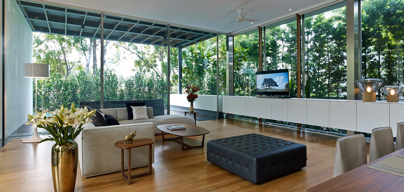 Zen Courtyard House: Modern living room in contemporary beach house in Sentosa Cove, Singapore by Greg Shand Architects